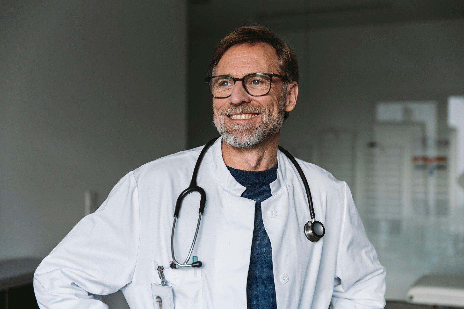 Endokrynolog - czym się zajmuje i jakie są sygnały, by się do niego zapisać?
